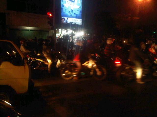 suasana mainstream di Traffic Ligth Surabaya