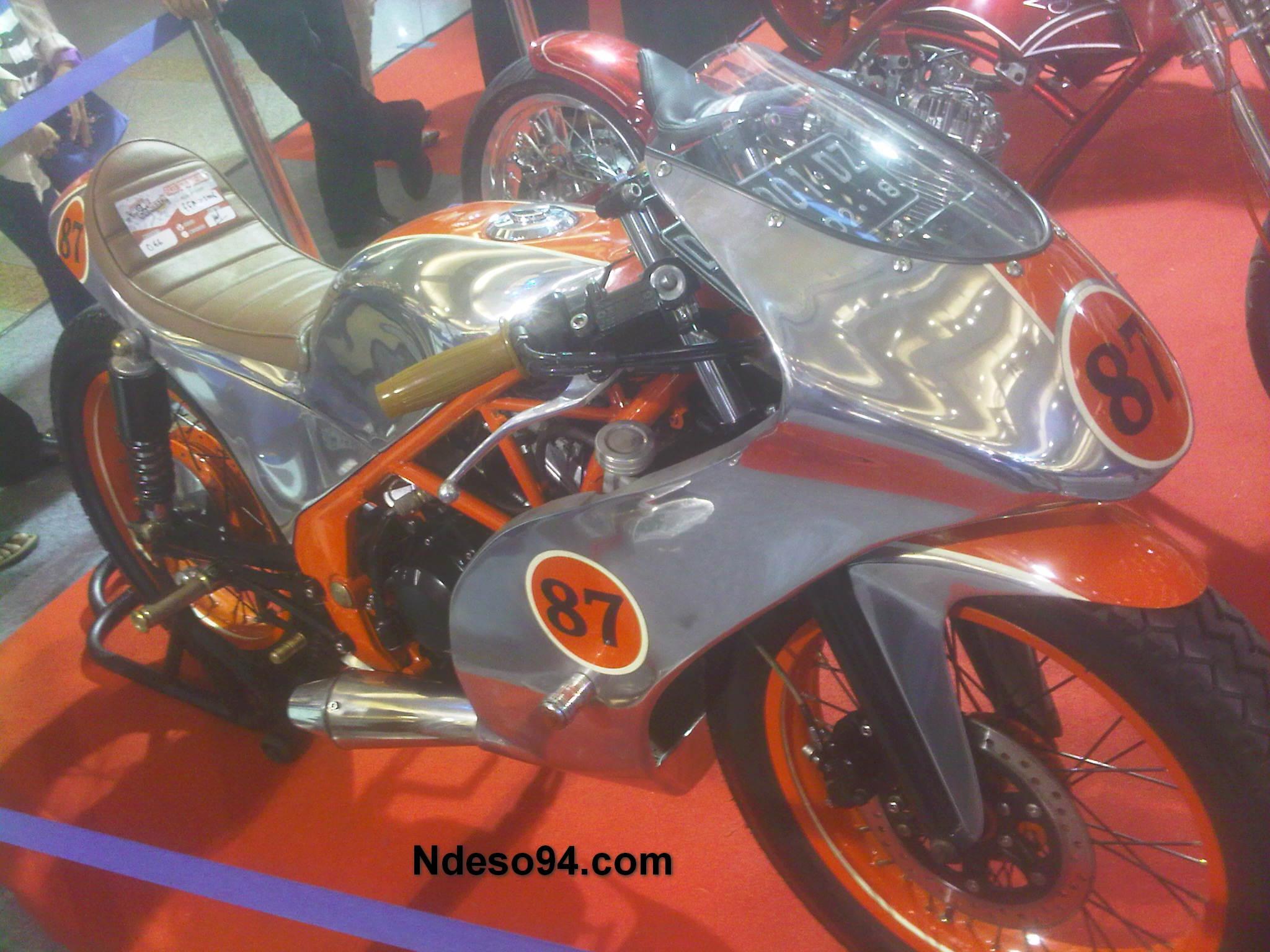 HMC Modifikasi Ekstrim Honda CB150R Jadi Full Fairing Cafe Racer