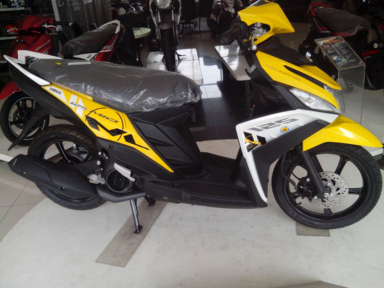 ide modifikasi mio m3 warna kuning